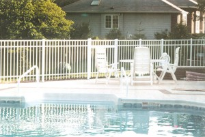 Which type of swimming pool fence is best for Best type of pool