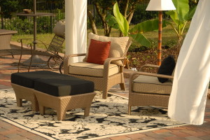 outdoor-furniture-set